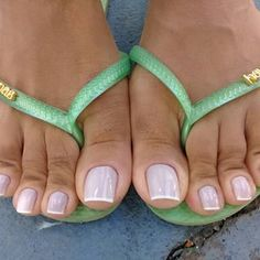 We'll Teach You All About Shoes In This Article. Pretty Toe Nails, Cute Toe Nails, Pretty Toes, Pies Sexy, Sexy Zehen, Cruise Attire, Nice Toes, Teen Feet, Foot Pics