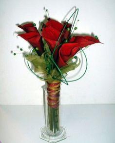 bouquet  de calas rojas
