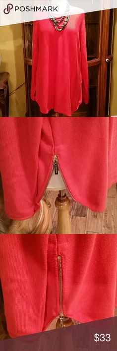 MICHAEL KORS CORAL TUNIC SWEATER L ZIP DETAIL Luxurious coral long sleeve tunic sweater with gold zipper detail at the waist on both sides. Ladies size large. Michael Kors Sweaters Crew & Scoop Necks