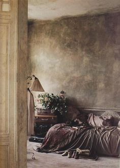 love the paint treatment & colors for this bedroom