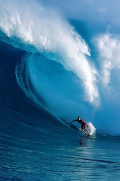 """The Ultimate Travel Destinations for Fearless Travelers, Maui – Surfing """"on steroids"""" Surfing the waves of the Californian coast is one thing, but curbing the waves at Jaws Beach on the Hawaiian island of Maui is another."""