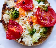 Vegan-Mini Pizzas-flashback to afterschool snack growing up, now with a vegan upgrade!