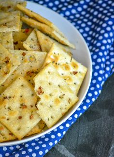 Alabama Fire Crackers - 4 Sons 'R' Us Appetizers For Party, Appetizer Recipes, Snack Recipes, Cooking Recipes, Healthy Recipes, Spicy Crackers, Fire Crackers, Seasoned Crackers, Allergy Free Recipes