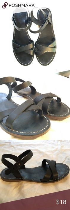 Madewell crisscross sandals (7.5) Cute black Madewell sandals! Worn a handful of times last summer, still in great shape. So cute- they're a great versatile sandal. Madewell Shoes Sandals