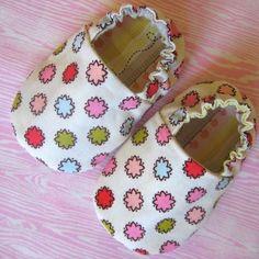 * Reversible bebé zapatos PDF patrón.  * Usted puede vender el producto final de este patrón.  Estos zapatos de suela suave bebé será perfectos para su