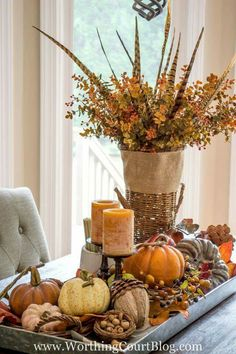 Fall Centerpiece / Perfect idea for decorating your Thanksgiving Dinner table.