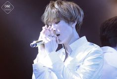 The light makes him like an angel who came to bless us with his presence Eunhyuk, Lee Donghae, Siwon, Super Junior Kpop, Super Junior Members, Younique, Rapper, Lee Hyukjae, I Go Crazy