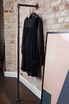 praktischer und stabiler kleiderst nder aus eisenrohren zu kaufen bei rackbuddy rei. Black Bedroom Furniture Sets. Home Design Ideas