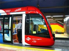 El metro ligero ML1, en Madrid, supera los cinco millones de viajeros anuales. #alstom #citadis #ligthrail #tramway #railway #rollingstock Madrid Metro, Rail Transport, Transportation, Design, Trains, Futurism, News, Scenery, Photos