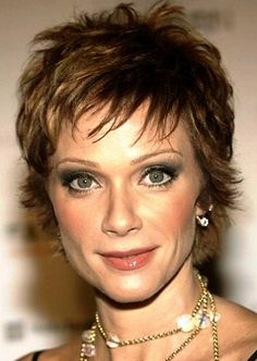 Lauren Holly 53