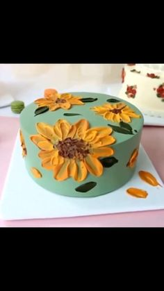 Cake Decorating Frosting, Cake Decorating Designs, Cake Decorating Techniques, Cake Decorating Tutorials, Cookie Decorating, Simple Cake Decorating, Cake Piping Techniques, Birthday Cake Decorating, Cupcakes