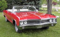 Vintage Cars Buick Wildcat Convertible/ A dream car. It even has the right interior. Vintage Cars, Antique Cars, Convertible, Buick Electra, Electra 225, Car Show Girls, Buick Wildcat, Automobile, Buick Envision