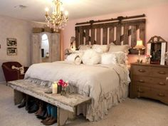 Want to do this. Headboard. Bench seat. :)