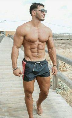 Hunks Men, Hot Hunks, Mode Shorts, Hommes Sexy, Shirtless Men, Muscle Men, Muscle Hunks, Attractive Men, Gorgeous Men
