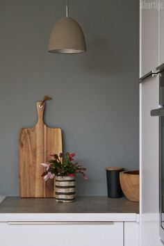 Favorite Paint Colors, Kitchen Lighting, Staging, House Design, Design Studio, Garden Design, Floating Shelves, Bunt, Home Decor