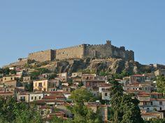 nice Meeting with a pretty Greek island of Lesbos Greek Castle, Chios, Beautiful Castles, Medieval Town, Greece Travel, Greek Islands, San Francisco Skyline, Travel Photos, Fortaleza