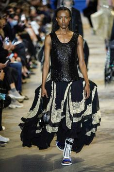 Louis Vuitton Spring Summer 2022 by RUNWAY MAGAZINE. Read review and see ALL LOOKS here. Lace Skirt, Sequin Skirt, Runway Magazine, Conceptual Fashion, Fashion Show, World Of Fashion, Ready To Wear, Louis Vuitton, Vogue