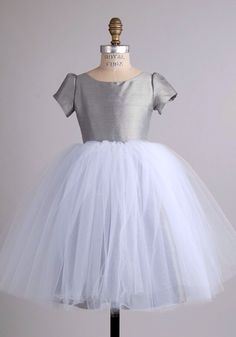 Love this style. Would be perf in blush pink to match the theme!!
