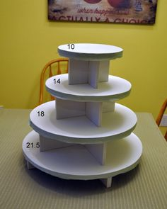 cupcake stand dimensions (ours only needs 2 tiers)- 2 dozen gluten free/vegan cupcakes for special diet folks Cake And Cupcake Stand, Cupcake Display, Cupcake Cakes, Cupcake Tier, Wedding Cake Stands, Wedding Cupcakes, Bolo Diy, Croquembouche, Diy Cake