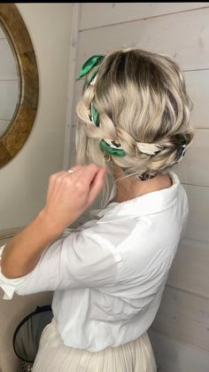 Work Hairstyles, Easy Hairstyles For Long Hair, Scarf Hairstyles, Athletic Hairstyles, Casual Updo Hairstyles, Hairstyles For Beach, Hairstyles For Pictures, Easy Hair Buns, Long Blonde Hairstyles