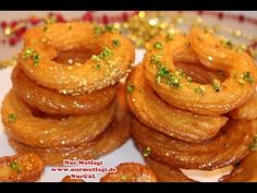 kolay pratik ev yapimi CITIR CITIR HALKA TATLISI tarifi - YouTube Beignets, Turkish Recipes, Ethnic Recipes, Indian Sweets, Onion Rings, Bon Appetit, Bakery, Deserts, Dessert Recipes