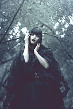 Dark fairy tail, dark beauty, goth makeup. Photographer: SS Photography Model: Angelica Kotliar Makeup Artist: Andy Calero #boitoi #andycalero #drammaone www.andycalero.net