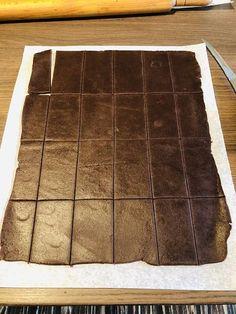 Chocotorta, prăjitură cu biscuiți de cacao și cremă de brânză cu dulceață de lapte – Chef Nicolaie Tomescu Butcher Block Cutting Board