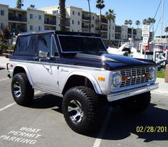 1974 ford bronco for sale 1 700x615 1966 1977 Ford Broncos For Sale