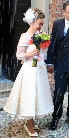 My short / tea lenght vintage wedding dress from Vittoria Bonini....wowwww!! #lace #bride #sposa #matrimonio #pizzo #abito