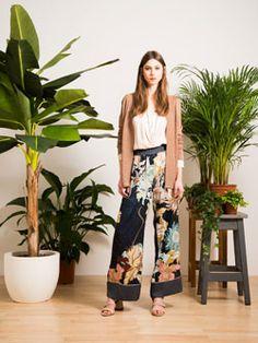Fast Fashion Woman – Tropical Bloom Lookbook Spring Summer 2017 | Dixie