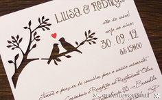 Convite de casamento diferente recortado em desenho de pássaros apaixonados e texto em fonte Vintage.