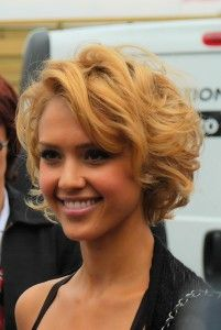 Google Image Result for http://blog.worldhairextensions.com/wp-content/uploads/2012/06/Jessica-Alba-Short-Curly-Bob-201x300.jpg