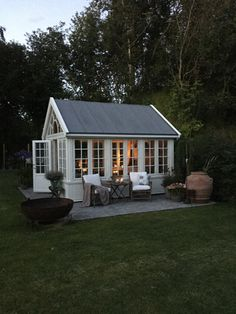 Perfect little 'shed' to get away and relax without actually running away! Also good for entertaining guests. Backyard Greenhouse, Backyard Studio, Backyard Sheds, Backyard Projects, Outdoor Rooms, Outdoor Living, Indoor Garden, Home And Garden, Studio Shed