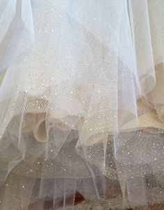 Paillettes or Sweetheart bretelles Tulle robe Hollywood par ouma Tulle Tutu, Tulle Dress, Hollywood Dress, Rose Oil, Beige Aesthetic, Mode Style, Gold Glitter, Glitter Gel, Sailor Moon