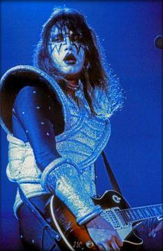 kiss love gun tour | Ace ~San Francisco, California…August 16, 1977 (Love Gun Tour - Cow ...