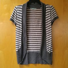 Maurices Gray Striped Short Sleeve Cardigan Maurices cardigan, size medium, in good used condition. This short sleeve cardigan is great for warm weather! It has been well loved so there is pilling, but it has no other flaws. Please ask any and all questions before purchasing. No trades. Make a reasonable offer. Thanks! Maurices Tops Blouses
