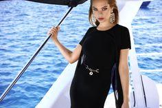 Sophistiquée de jour comme de nuit avec cette robe noire moulante Joseph Ribkoff - Collection printemps / été 2017. A retrouver dans notre boutique New Capucine à Vesoul.