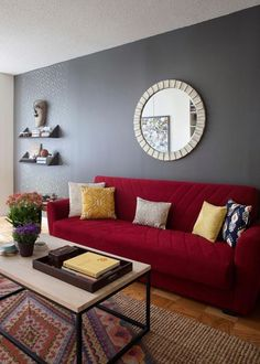 Red sofa living room red couch decorating home decorating ideas. Living Room Color Schemes, Paint Colors For Living Room, Living Room Designs, Colour Schemes, Colour Palettes, Bedroom Colors, Red Couch Living Room, New Living Room, Red Living Room Decor