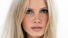 Maquillage yeux bleus verts