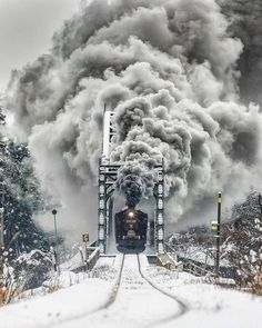 """The Our Epic Nature on Instagram: """"Niigata snowy train ride in Japan. 🚂 💨 ❄ ⠀ Are you ready for an epic nature journey? @TheOurEpicNature Image credit: @tom_tom_brother"""" Nature Photography, Travel Photography, Sea Of Japan, Japan Japan, Wallpaper Keren, Abstract Iphone Wallpaper, Train Rides, Week End, Funny Art"""