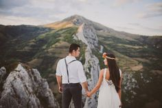 Romanian Photo Session in the Mountains With Beautiful Views