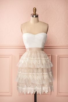 Thea Crème - Beige and white bustier dress with tulle, lace trim and sequins