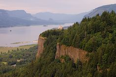 Vista House at Crown Point, Columbia River Gorge, Oregon #parks #scenic #travel