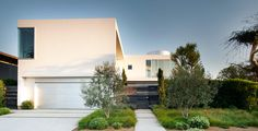 Lovely White House White Stucco Modern House in Venice, California By Dennis Gibbens Architects