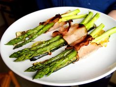 Baked asparagus with ham and cheese