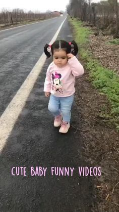Cute Funny Baby Videos, Crazy Funny Videos, Cute Funny Babies, Funny Videos For Kids, Cute Kids Pics, Cute Baby Girl Pictures, Baby Photos, Funny Baby Gif, Funny Baby Memes