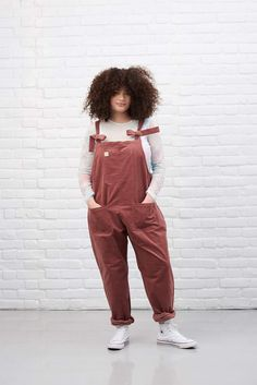 When pink corduroy looks this good 🔥Get comfy and cosy with Lucy & Yak this autumn 🔥Oversized dungarees cut, tons of pockets, self-tie straps organic cotton 💯Handmade ✔️Ethical 🌎Ready to find your perfect pair of dungarees? Curvy Outfits, Plus Size Outfits, Fashion Outfits, Fashion Tips, Edgy Outfits, 70s Fashion, Work Outfits, Long Bib, Curvy Model
