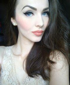 idda van munster #peach #makeup