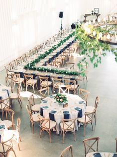 8 Wedding Seating Chart Ideas for Your Reception Layout- round and rectangular wedding banquet tables with X-back chairs The Heirloom Table Reception Table Layout, Wedding Table Layouts, Reception Seating Chart, Booth Seating, Seating Plan Wedding, Banquet Tables, Seating Charts, Outdoor Seating, Seating Plans