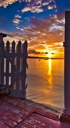 Goodnight, Grenada. share moments